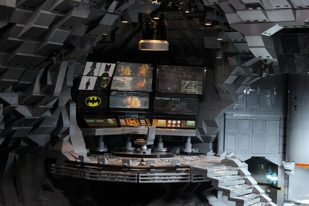 Batman-Batcave-Made-From-20000-LEGOS-10