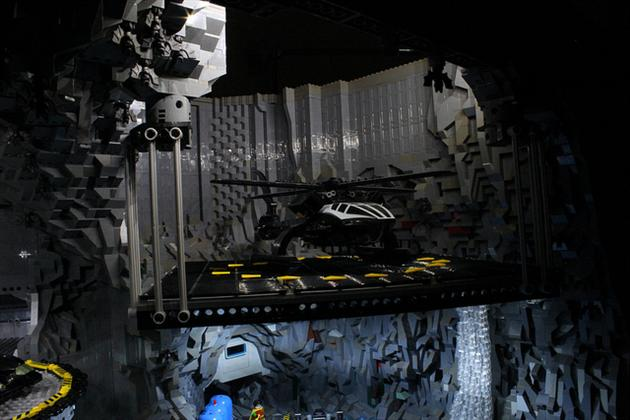 Batman-Batcave-Made-From-20000-LEGOS-11