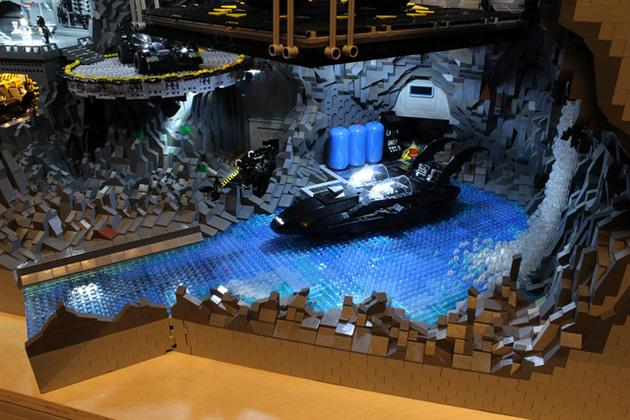 Batman-Batcave-Made-From-20000-LEGOS-2