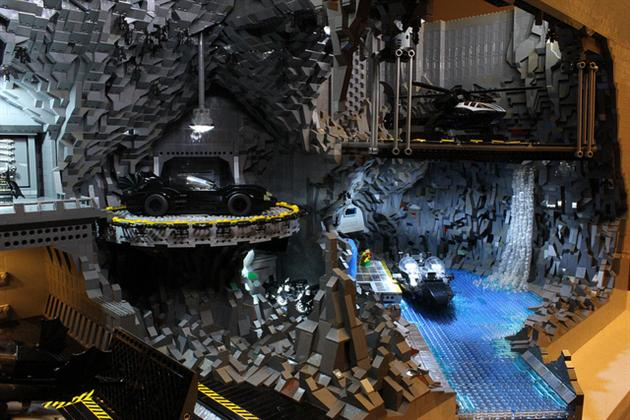 Batman-Batcave-Made-From-20000-LEGOS-8