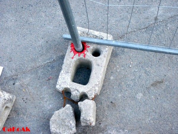 Creative-and-Funny-Street-Art-from-OakoAk-04