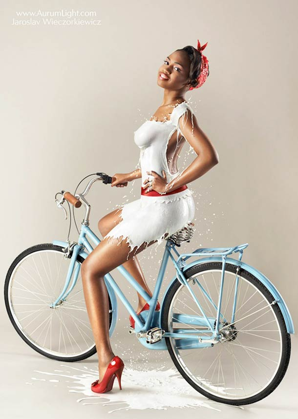 Milky-Pin-Up-calendar-5