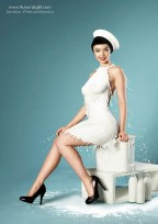Milky PinUps! 40s Pinup Photos Made With High-Speed Milk
