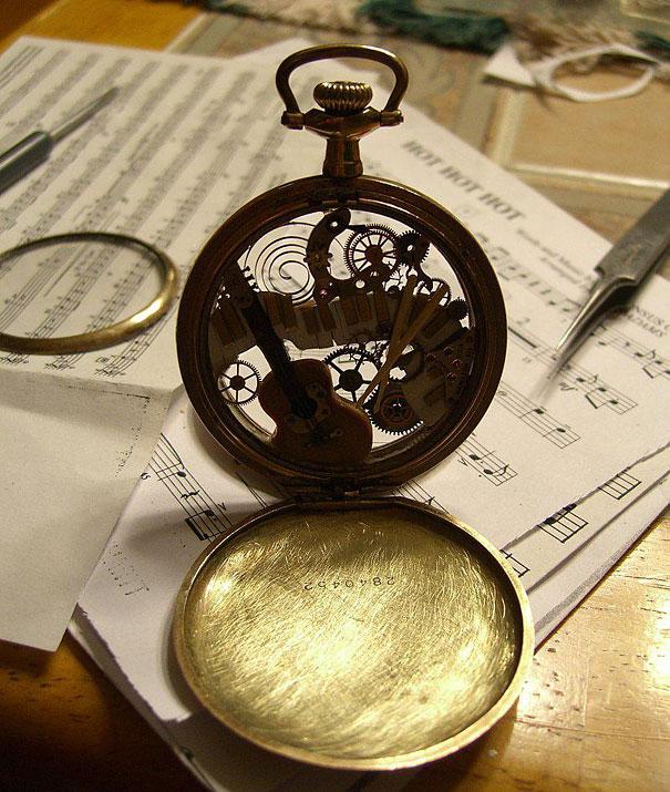 steampunk-watch-part-sculptures-sue-beatrice-9