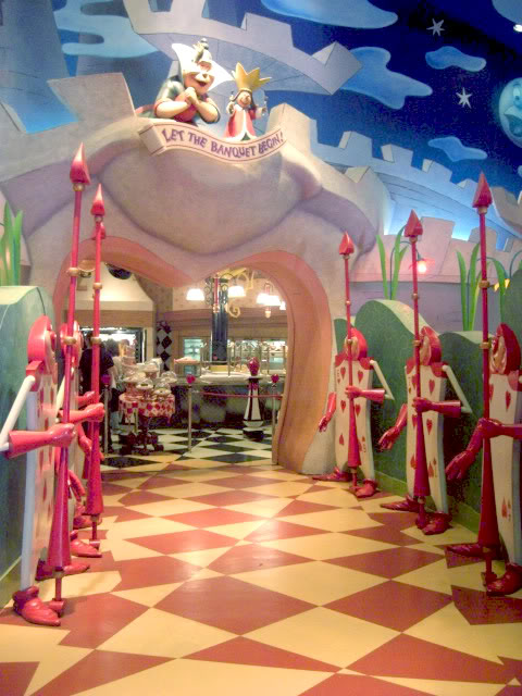 Alice In Wonderland Restaurant Makes Fantasy Come To Life Favbulous