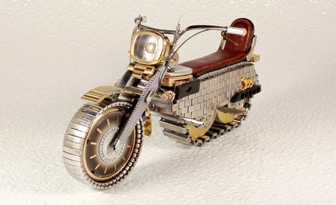 dmitriykhristenkominiaturewatchmotorcycles2