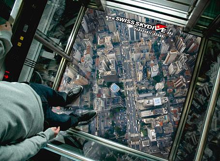 elevator-ads-swiss-skydive