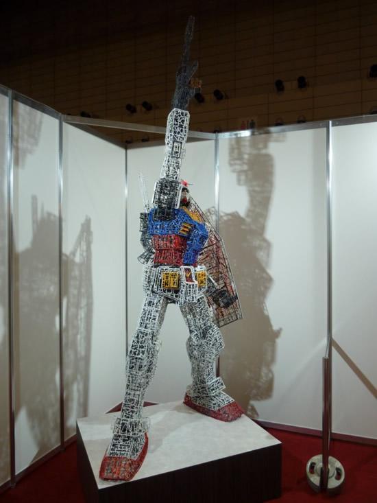 plastic-Gundam-replica12