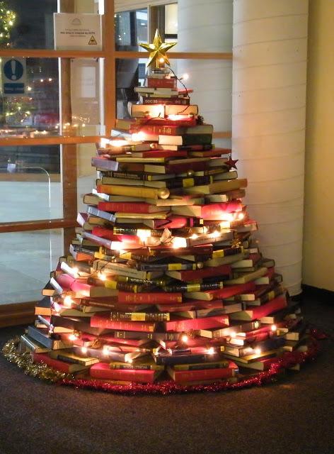 BOOK Christmas Tree Smaller[1]